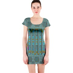 Freedom Is Every Where Just Love It Pop Art Short Sleeve Bodycon Dress