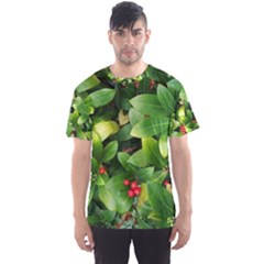 Christmas Season Floral Green Red Skimmia Flower Men s Sports Mesh Tee