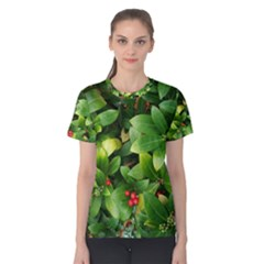 Christmas Season Floral Green Red Skimmia Flower Women s Cotton Tee