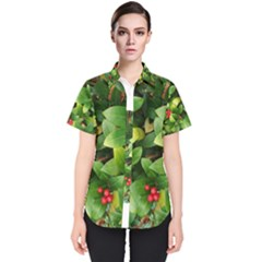 Christmas Season Floral Green Red Skimmia Flower Women s Short Sleeve Shirt
