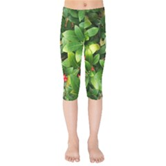 Christmas Season Floral Green Red Skimmia Flower Kids  Capri Leggings