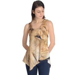 Big Male Lion Looking Right Sleeveless Tunic