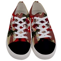 Karl Marx Santa  Women s Low Top Canvas Sneakers