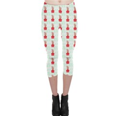 At On Christmas Present Background Capri Leggings