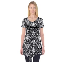 Star Crystal Black White 1 And 2 Short Sleeve Tunic