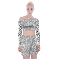 Wavy Intricate Seamless Pattern Design Off Shoulder Top With Mini Skirt Set