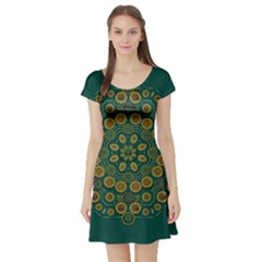 Snow Flower In A Calm Place Of Eternity And Peace Short Sleeve Skater Dress