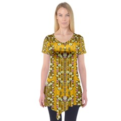 Rain Showers In The Rain Forest Of Bloom And Decorative Liana Short Sleeve Tunic