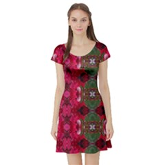 Christmas Colors Wrapping Paper Design Short Sleeve Skater Dress