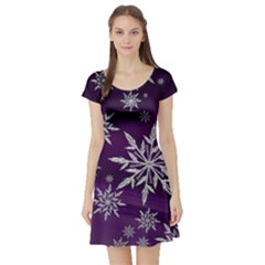 Christmas Star Ice Crystal Purple Background Short Sleeve Skater Dress