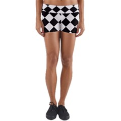 Grid Domino Bank And Black Yoga Shorts