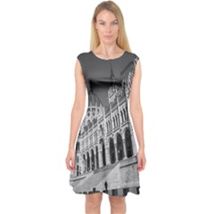 Architecture Parliament Landmark Capsleeve Midi Dress