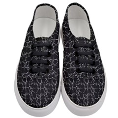 Black And White Textured Pattern Women s Classic Low Top Sneakers