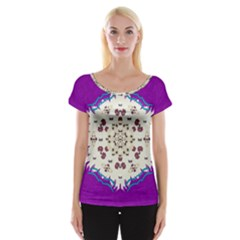 Eyes Looking For The Finest In Life As Calm Love Cap Sleeve Tops