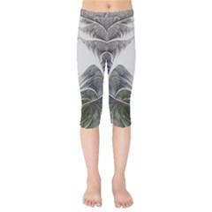 Fractal White Design Pattern Kids  Capri Leggings