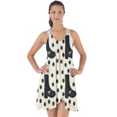 Deer Boots White Black Show Some Back Chiffon Dress