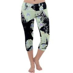 Mint Wall Capri Yoga Leggings