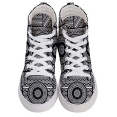 Wavy Panels Men s Hi Top Skate Sneakers