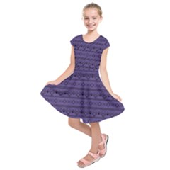 Color Of The Year 2018   Ultraviolet   Art Deco Black Edition Kids  Short Sleeve Dress