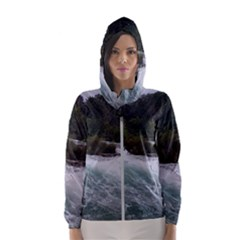 Sightseeing At Niagara Falls Hooded Wind Breaker (women)