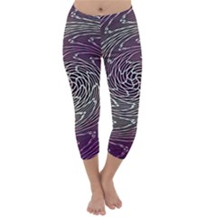 Graphic Abstract Lines Wave Art Capri Winter Leggings