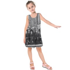 1927 Solvay Conference On Quantum Mechanics Kids  Sleeveless Dress