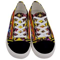 Spirit  Bulgarian Bee Women s Low Top Canvas Sneakers