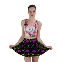 Pure Roses In The Rose Garden Of Love Mini Skirt