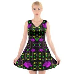 Pure Roses In The Rose Garden Of Love V Neck Sleeveless Skater Dress