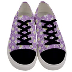 Daisy Dots Lilac Men s Low Top Canvas Sneakers