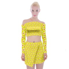 Square Flowers Yellow Off Shoulder Top With Mini Skirt Set