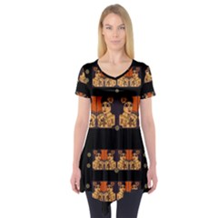 Geisha With Friends In Lotus Garden Having A Calm Evening Short Sleeve Tunic