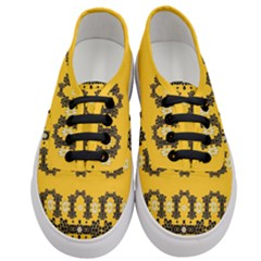 Ornate Circulate Is Festive In Flower Decorative Women s Classic Low Top Sneakers