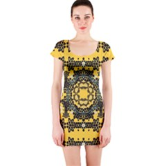 Ornate Circulate Is Festive In A Flower Wreath Decorative Short Sleeve Bodycon Dress