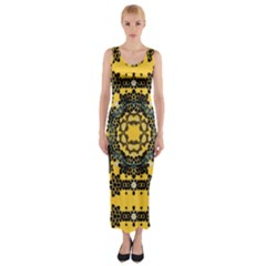 Ornate Circulate Is Festive In A Flower Wreath Decorative Fitted Maxi Dress