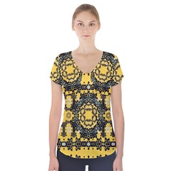Ornate Circulate Is Festive In A Flower Wreath Decorative Short Sleeve Front Detail Top