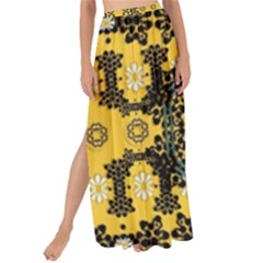 Ornate Circulate Is Festive In A Flower Wreath Decorative Maxi Chiffon Tie Up Sarong