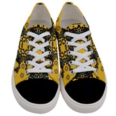 Ornate Circulate Is Festive In A Flower Wreath Decorative Women s Low Top Canvas Sneakers