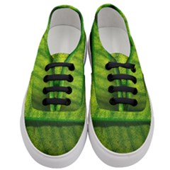 Leaf Nature Green The Leaves Women s Classic Low Top Sneakers