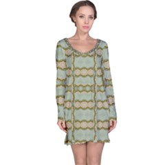 Celtic Wood Knots In Decorative Gold Long Sleeve Nightdress