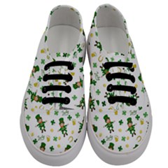 St Patricks Day Pattern Men s Classic Low Top Sneakers