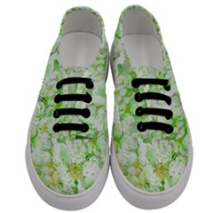Light Floral Collage  Men s Classic Low Top Sneakers