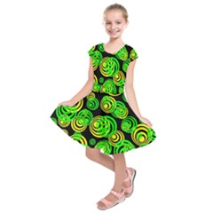 Neon Yellow And Green Circles On Black Kids  Short Sleeve Dress