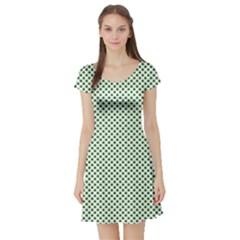Shamrock 2 Tone Green On White St Patrick?¯s Day Clover Short Sleeve Skater Dress