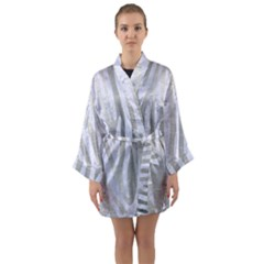 Skin4 White Marble & Silver Brushed Metal (r) Long Sleeve Kimono Robe