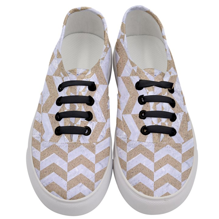 CHEVRON2 WHITE MARBLE & SAND Women s Classic Low Top Sneakers