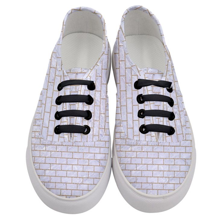 BRICK1 WHITE MARBLE & SAND (R) Women s Classic Low Top Sneakers