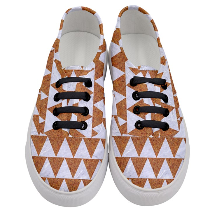 TRIANGLE2 WHITE MARBLE & RUSTED METAL Women s Classic Low Top Sneakers