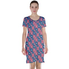 Squares And Circles Motif Geometric Pattern Short Sleeve Nightdress