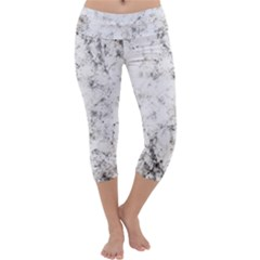 Grunge Pattern Capri Yoga Leggings